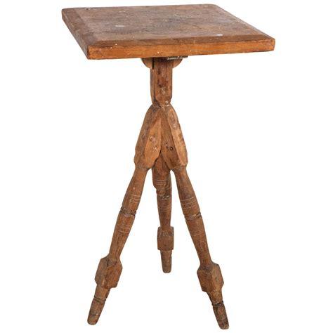 antique spindle leg side table vintage wood tripod spindle leg side table at 1stdibs