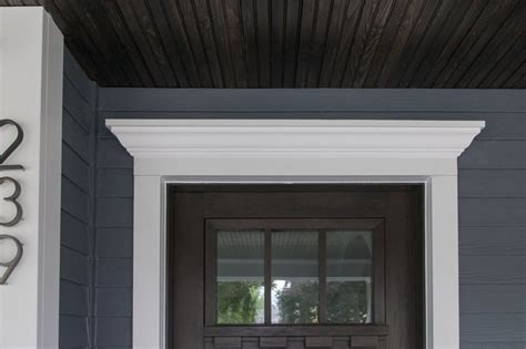 Wow! New front door with crown molding!   Traditional