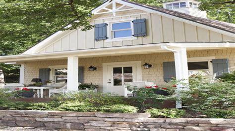 cottage interior colour ideas house shutter color ideas cottage coastal exterior color