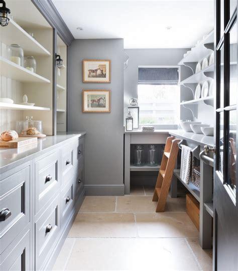reasons  love  walk  pantry humphrey munson kitchens