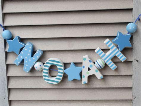 Kinderzimmer Junge Holz by Details Zu Quot Noah Quot Namenskette Kinderzimmer Holzbuchstaben