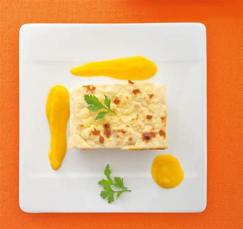 salsa di sedano rapa flan di sedano rapa con salsa di patate alla curcuma