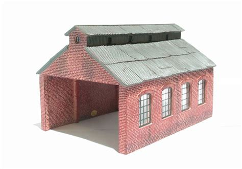 The Tank Engine Sheds by Hattons Co Uk Hornby R9222 Engine Shed