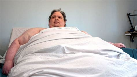 Fattest Person In The World | yeye de smell goodbye fatman fattest man in the world