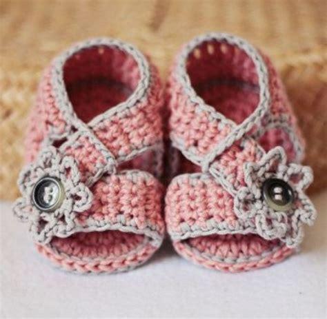 como hacer zapatitos tejidos para bebes youtube zapatitos y sandalias a crochet para bebes