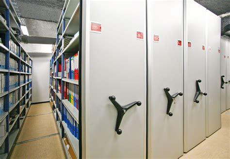scaffali per archivio archivi mobili scaffalature compattabili mecalux it