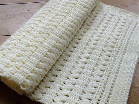 interlocking crochet zig zag pattern soft cream zigzag crochet baby blanket basic pattern