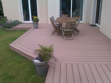 nivrem terrasse bois composite dalle diverses id 233 es de conception de patio en bois pour