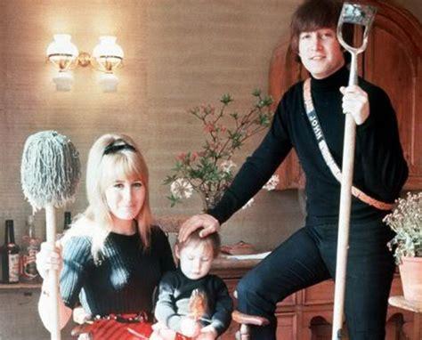 imagenes de john lennon con su esposa muere cynthia powell primera esposa de john lennon e