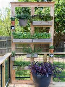 make a diy privacy screen and planter hgtv