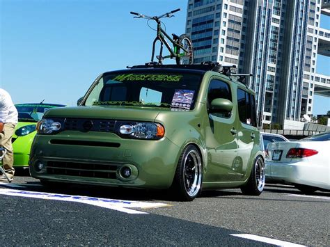 cube like cars nissan cube i like the green color would love to get my