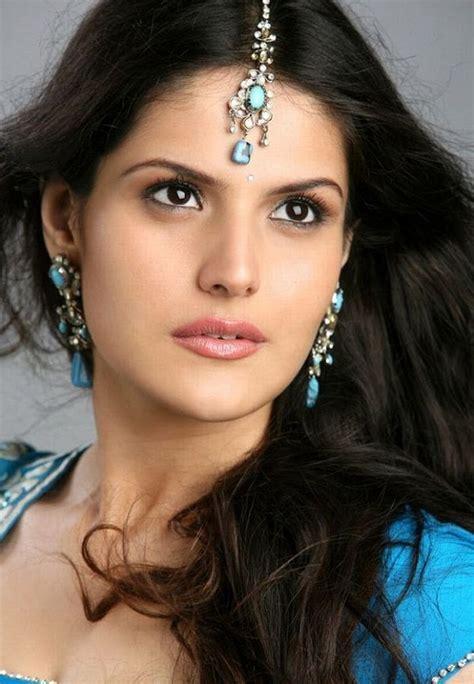 Zareen Khan Biography In Hindi | bollywood actress zarine khan wallpapers biography