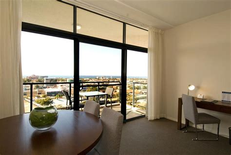 One Bedroom Apartment Wollongong Mantra Wollongong One Bedroom Superior Apartment With