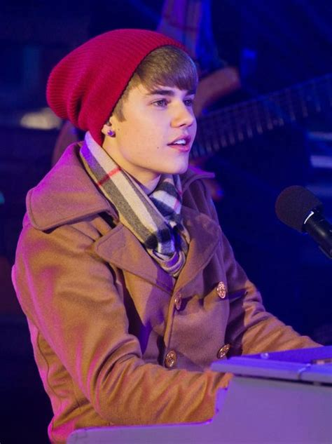 Beanie Hat Justin Bieber Kupluk justin s been rocking the beanie look since he was 16