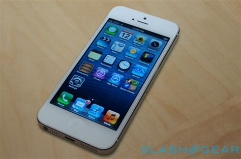 mobile iphone 5 apple said to sell 75 million low cost iphones in 2014