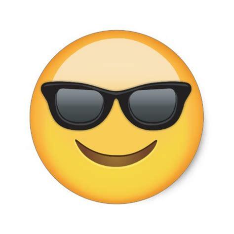 Smiley Mit Sonnenbrille Aufkleber by L 228 Chelndes Gesicht Mit Sonnenbrille Emoji Runder Aufkleber
