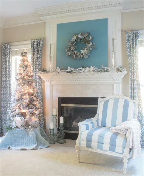 Bedroom Mantel Decorating Ideas by Mantel Ideas To Turn Your Home Into A Winter