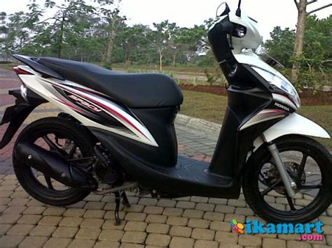 Jual Honda Spacy Fi 2012 Mulus honda spacy helm in cw 2012 putih gress motor