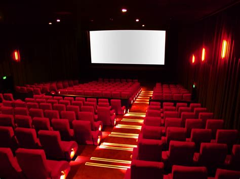 film it cinema every movie buff should work in a cinema at least once