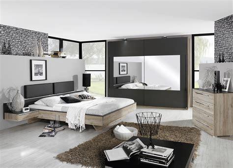 bed lederlook tweepersoons bed met breed hoofdbord en lederlook design