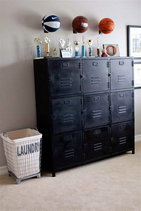 bedroom lockers 25 best ideas about boys football bedroom on pinterest