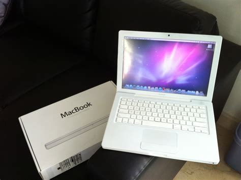 Macbook White wts macbook white early 2009 box set 500