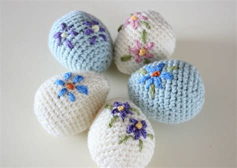 easter pattern amigurumi easter egg free crochet pattern zeens and roger