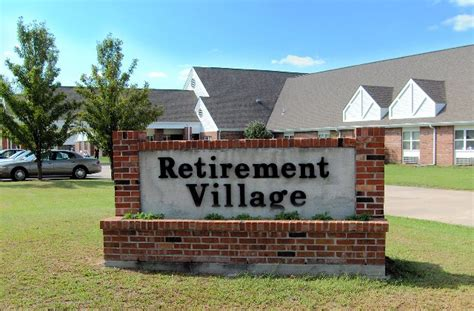 SeniorsAloud: A RETIREMENT HOME OR A RETIREMENT VILLAGE?