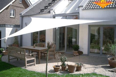 feuerschale auf balkon sonnensegel moderner sonnenschutz dolenz gollner
