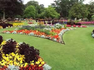 aiuole giardino tipi di giardini simple flower garden design ideas furniture