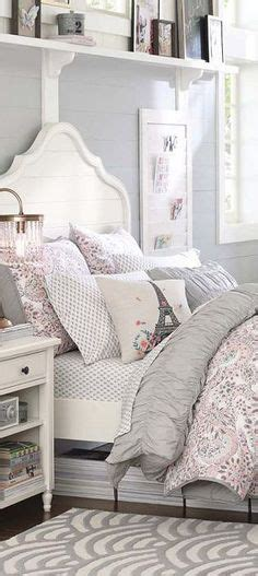 graues und gelbes schlafzimmerdekor white ikea leirvik bed bedroom ikea
