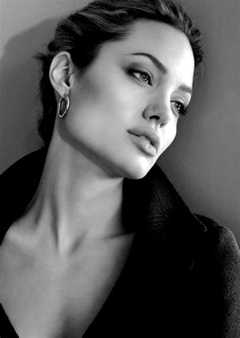 hairstyles for sharp jaw line angelina jolie sculptstudio this collection would be