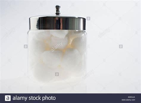 gestapelte glas kugelle cotton stockfotos cotton bilder alamy