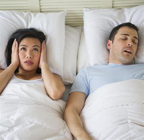 nicht in seinem bett schlafen warum paare nicht in einem bett schlafen m 252 ssen welt