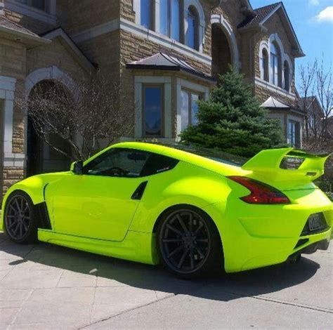 why do i see colors when i my 2013 nissan 370z unique color i want to do this to