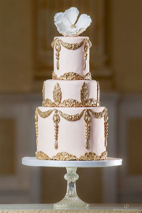 New Blush Pastel Dor 20 magnificent gold wedding cakes