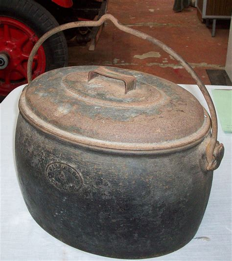 cast iron cooking cast iron cooking pot flickr photo sharing