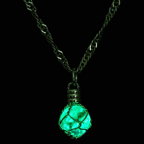 Glow Torch Senter fashion glowing jewelry glow in the pendant necklace