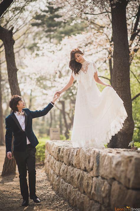 korea cherry blossoms pre wedding at yonsei in jongjin onethreeonefour