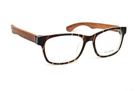 wooden eyeglasses are available at igearindia