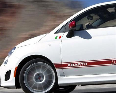 Stiker Running In Vespa 1 a pair of italy flag logo abarth vespa car decal