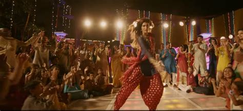bookmyshow bareilly kriti sanon style bareilly ki barfi bookmyshow blog