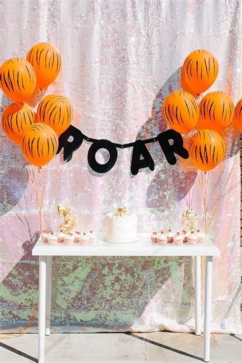 zoo themed birthday party pinterest zoo themed first birthday party decor ideas
