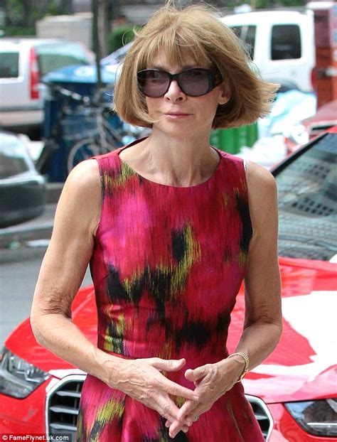 Anna Wintour looks crisp in red as she strides into a New York hotel   Daily Mail Online