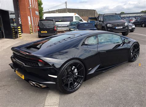 all black lamborghini lamborghini hurac 225 n adv5 0 m v2 cs concave forged wheels