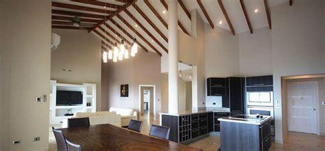 luxus immobilien im spanischen stil luxuri 246 se villa im modernen spanischen stil steht zum