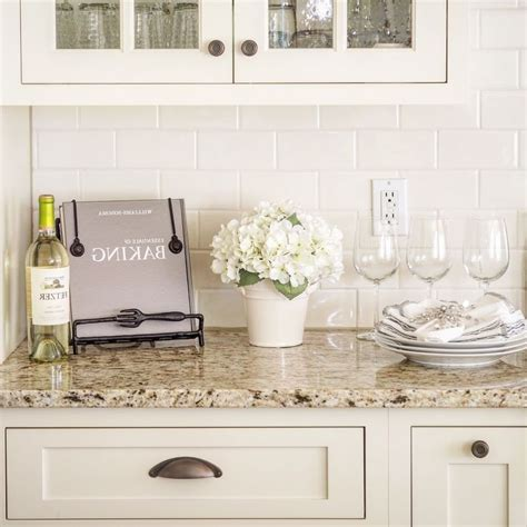 kitchen backsplash ideas pinterest best 25 white subway tile backsplash ideas on pinterest