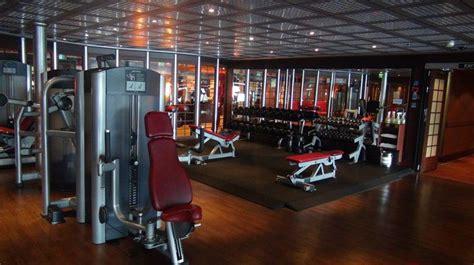 gym weights carnival splendor cruise resort style pool
