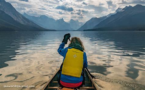 canoes lake maligne canoeing maligne lake jasper national park the world is