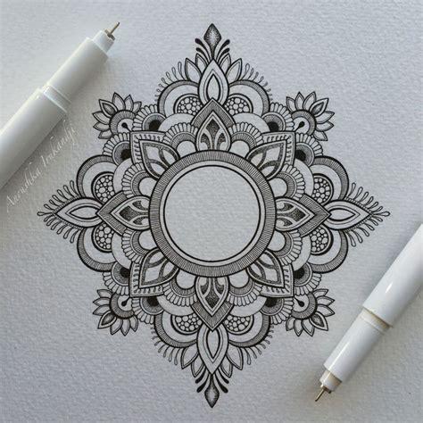 pattern sketches pinterest drawn tattoo mandala pencil and in color drawn tattoo